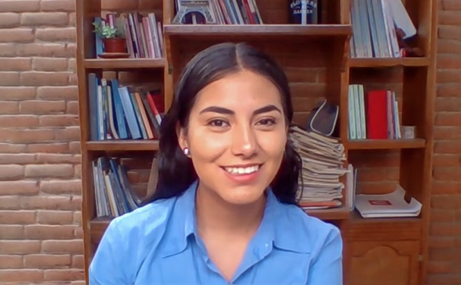Alejandra Nayely Vila Sosa, egresada de la Licenciatura en Banca e Inversiones de la UDLAP, actualmente labora para Banco Santander. (Especial)