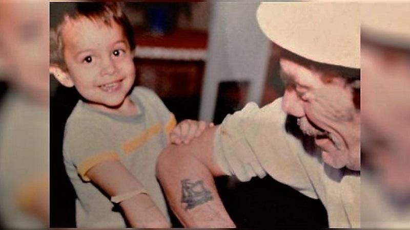 Ramón Valdés junto a su nieto, Miguel Valdés. Foto: TW: @RamnValdsCasti1