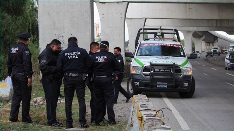 Miguel Barbosa Huerta anunció la disolución de las direcciones de la Policía Estatal de Vialidad y de Grupos Especiales pertenecientes a la Secretaría de Seguridad Pública. Foto / Agencia Enfoque