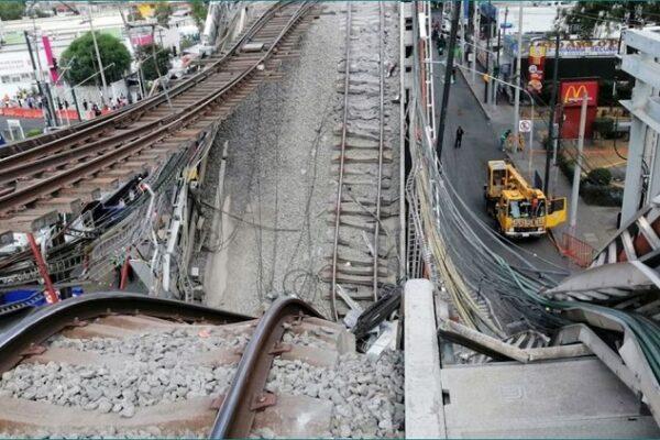 Autoridades trabajan en la zona de la tragedia. Foto: Cuartoscuro.