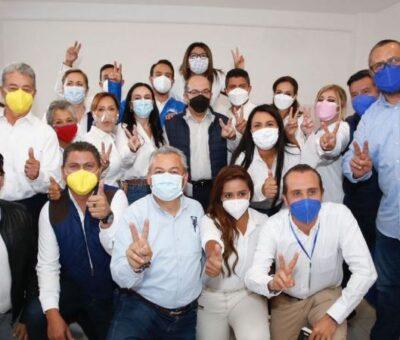 Felipe Calderón estuvo en Puebla apoyando la campaña de Eduardo Rivera. Foto: @eduardorivera01