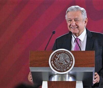 López Obrador, en Palacio Nacional, aseveró que en la aplicación del biológico no hay influyentismo y se le dio prioridad al sector más vulnerable que son los adultos mayores de más de 60 años. (Presidencia de la República)