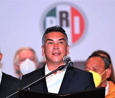 El presidente del PRI, Alejandro Moreno, durante una conferencia de prensa. CARLOS RAMÍREZ / EFE