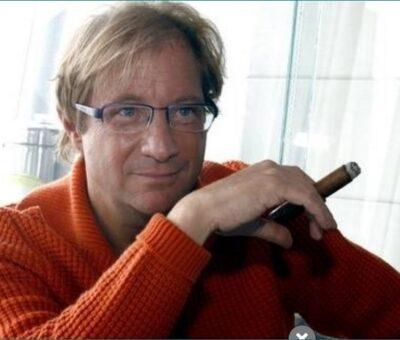 El ex diplomático y escritor Andrés Roemer. Foto María Meléndez Parada / Archivo