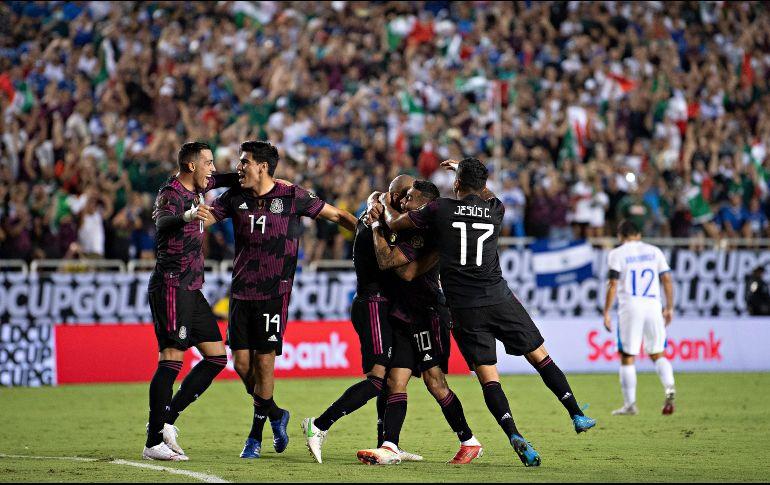 México se impuso en un partido pasado por patadas, empujones, juego ríspido y sobre todo fallas garrafales por parte de los dos equipos. IMAGO7