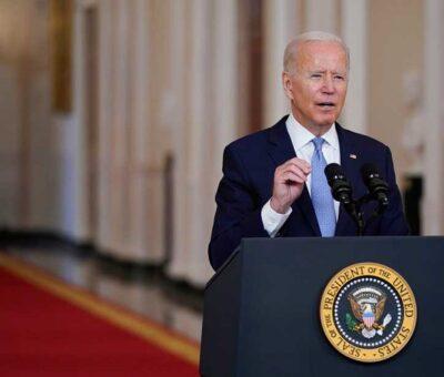 Asegura Biden que era tiempo de terminar la guerra contra los talibanes. Associated Press.
