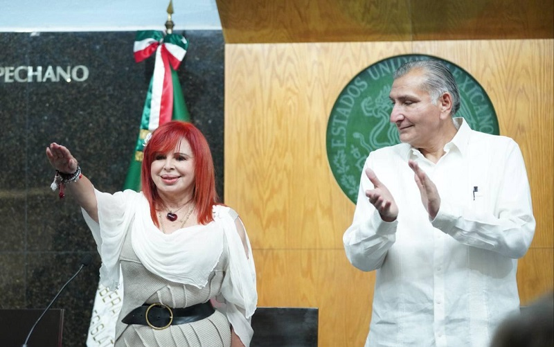 """La nueva gobernadora señaló que la """"Cuarta Transformación"""" llegó al estado y advirtió, """"se acabó la robadera"""". (ESPECIAL)"""