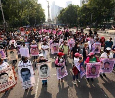 Marchan a 7 años del caso Ayotzinapa. Óscar Mireles / Agencia Reforma