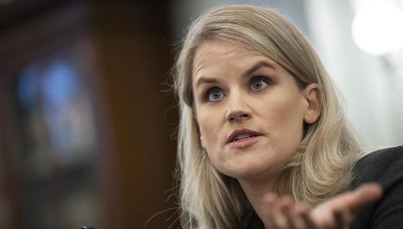 La ex empleada de Facebook y denunciante Frances Haugen se presentó en una audiencia del Senado de Estados Unidos el 5 de octubre de 2021. (Drew Angerer / Pool vía AP).